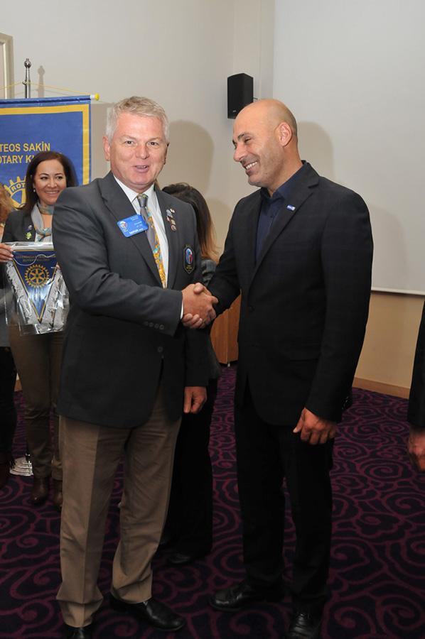 Teos Sakin Rotary Kulübüne Guvernör Ziyareti  Magazin İzmir