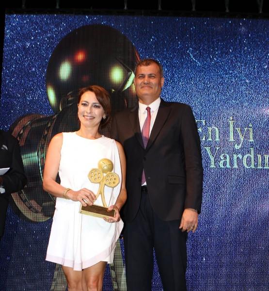 Ayça Bingöl-En İyi Yardımcı Kadın Oyuncu - Kopya